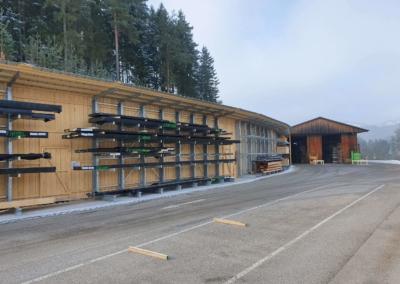 Aussen-Freiträgerregal mit Dach für Langgut, Holz und Stabmaterial