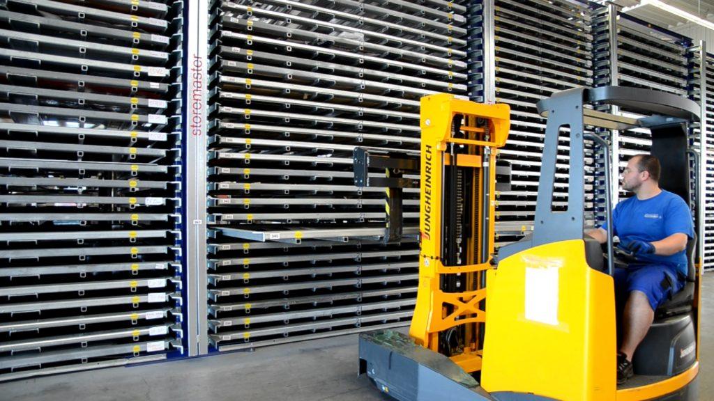 innovative Lagertechnik - Turmlager für Kassetten-Flats